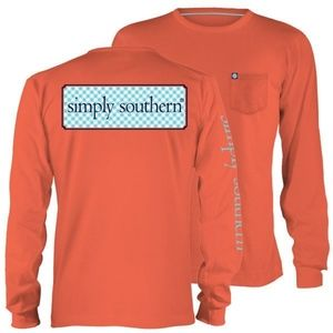 Simply southern long sleeve shirt W. Front pocket